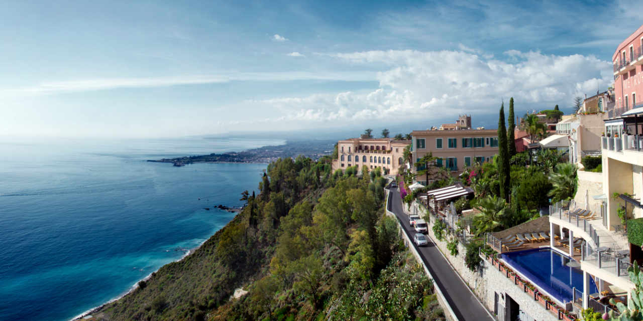 Where we are | Hotel Casa Adele | Sea front hotel Taormina